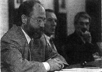 Für Staatsanwalt Dieter Justinsky (links) war es Mord. Rechts Polizeipräsident Thomas Wenner.